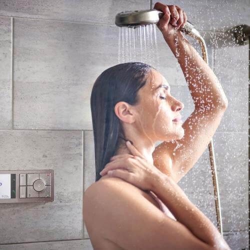 بعد از بدنسازی دوش آب سرد بهتر است یا گرم
